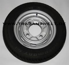 Komplettrad mit 8-Schlitzfelge und Diagonalreifen Trabant 601